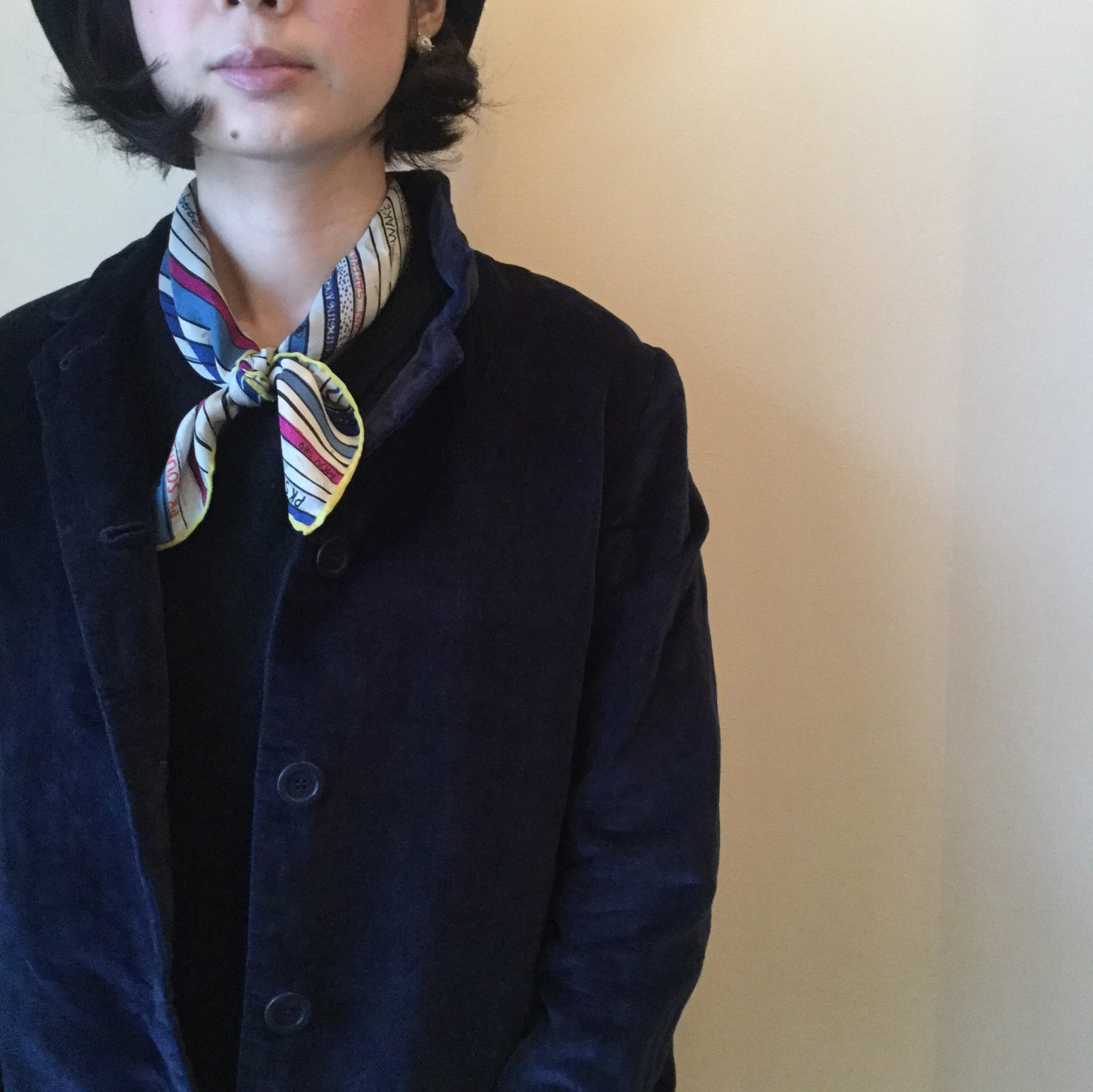 秋冬mii(ミー)の手紡ぎの糸を使用しプリントはすべて手作業のシルクスカーフです