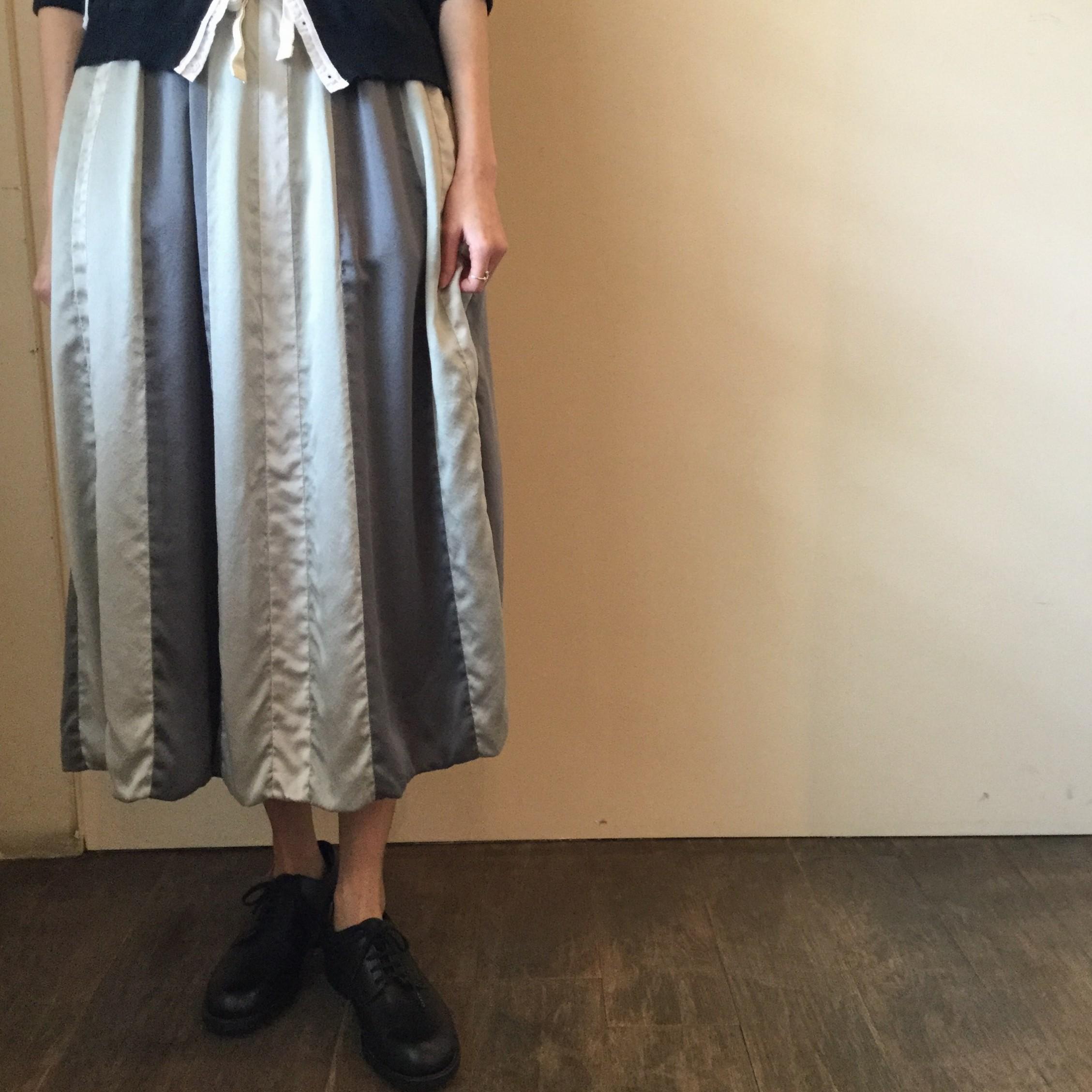 春夏caseycasey(ケーシーケーシー)のエアエイジおすすめのシルクのクレープサテンスカートです<br />