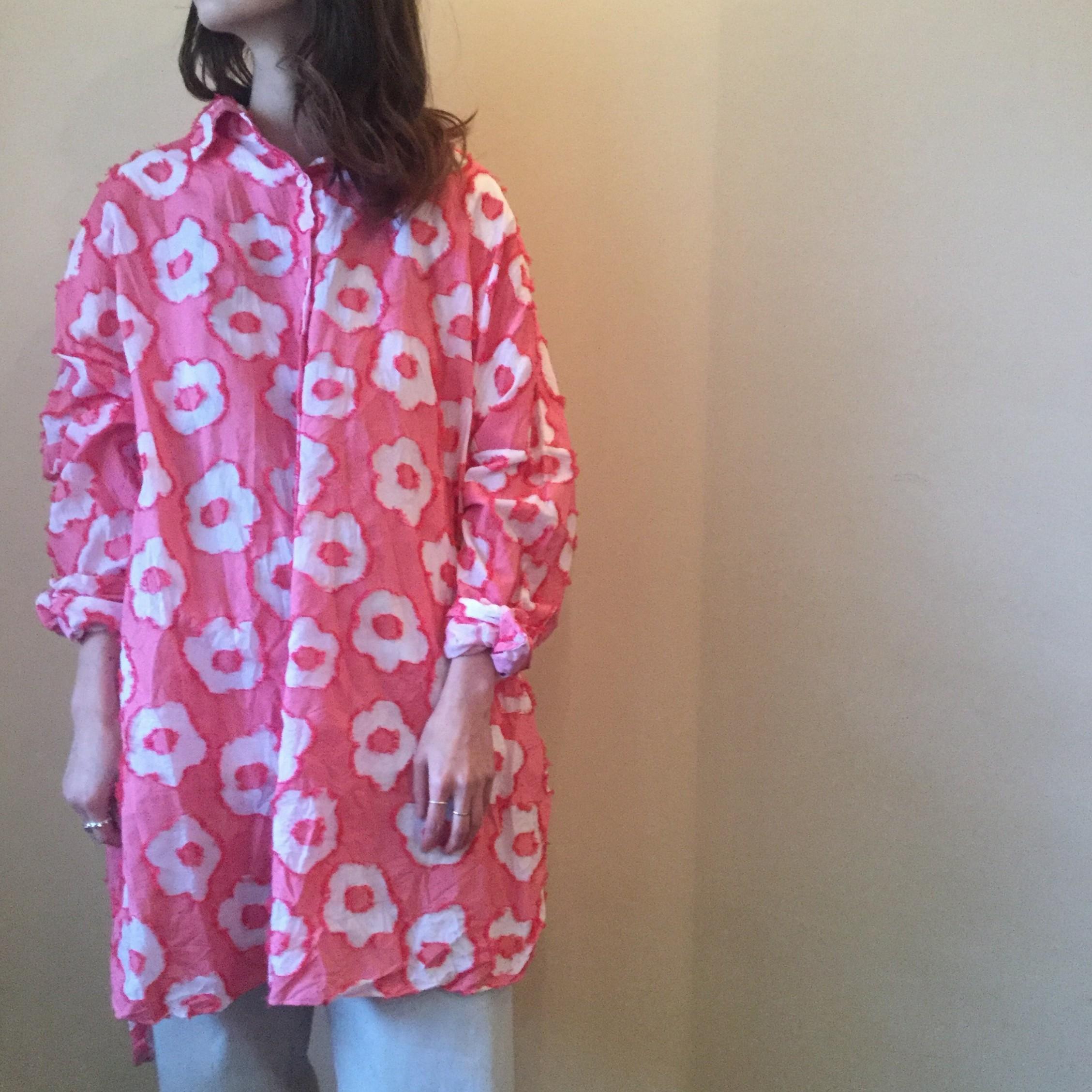 春夏caseycasey(ケーシーケーシー)のエアエイジおすすめの花柄のオーバーサイズシャツです