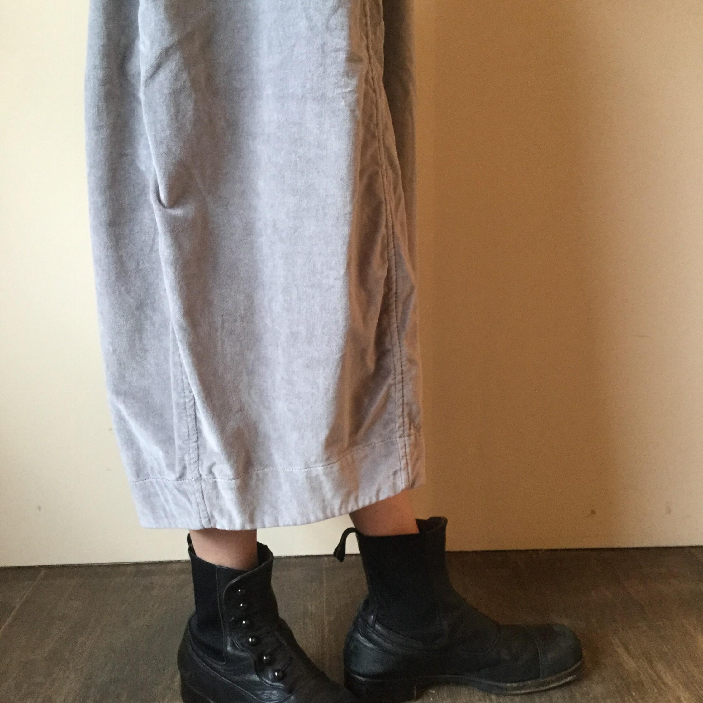 秋冬caseycasey(ケーシーケーシー)のエアエイジおすすめのベロアスカートです