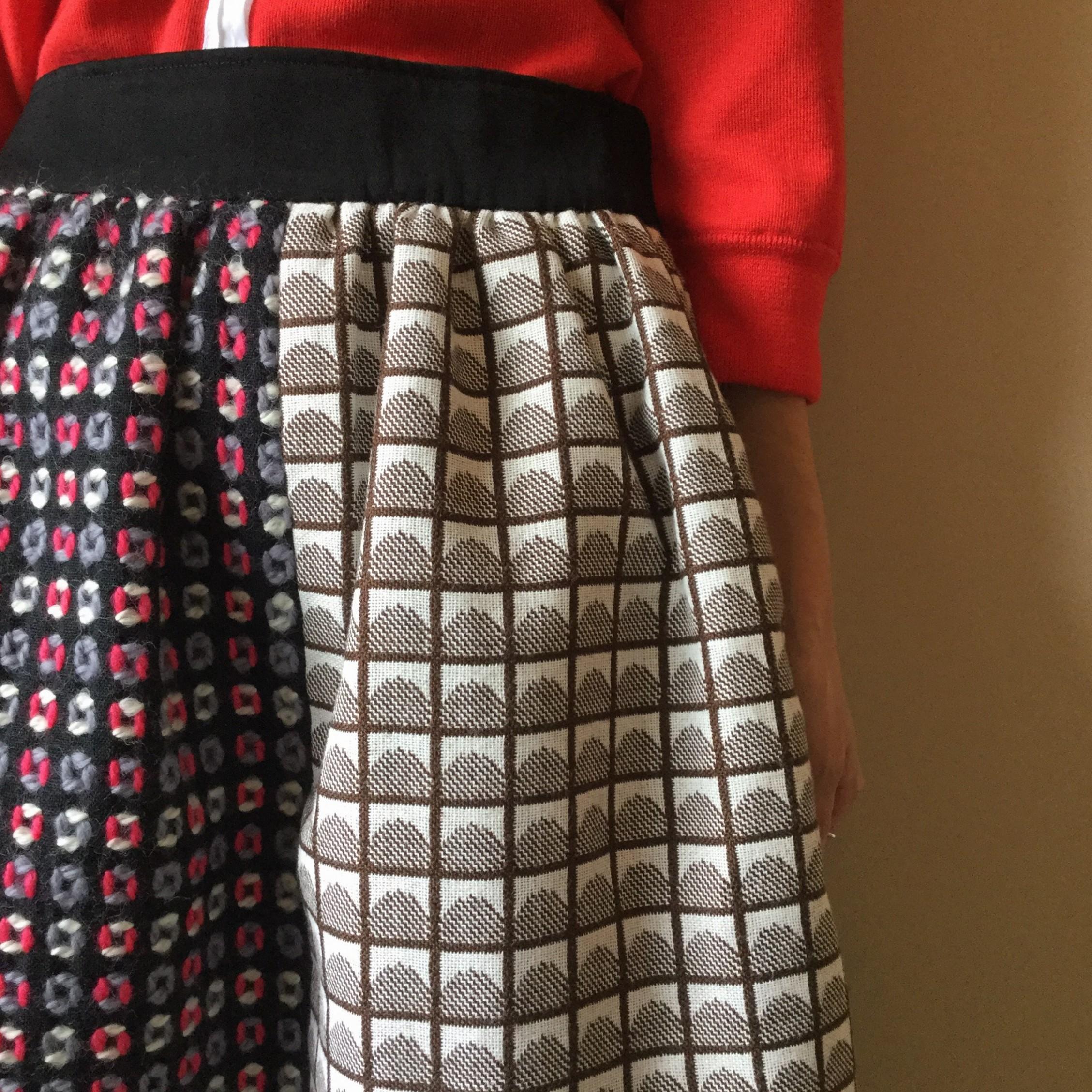 秋冬HIROMITSUYOSHI(ヒロミツヨシ)のエアエイジおすすめのスカートです